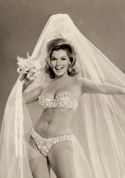 Barbara alton and her wonderful breasts - 3 9